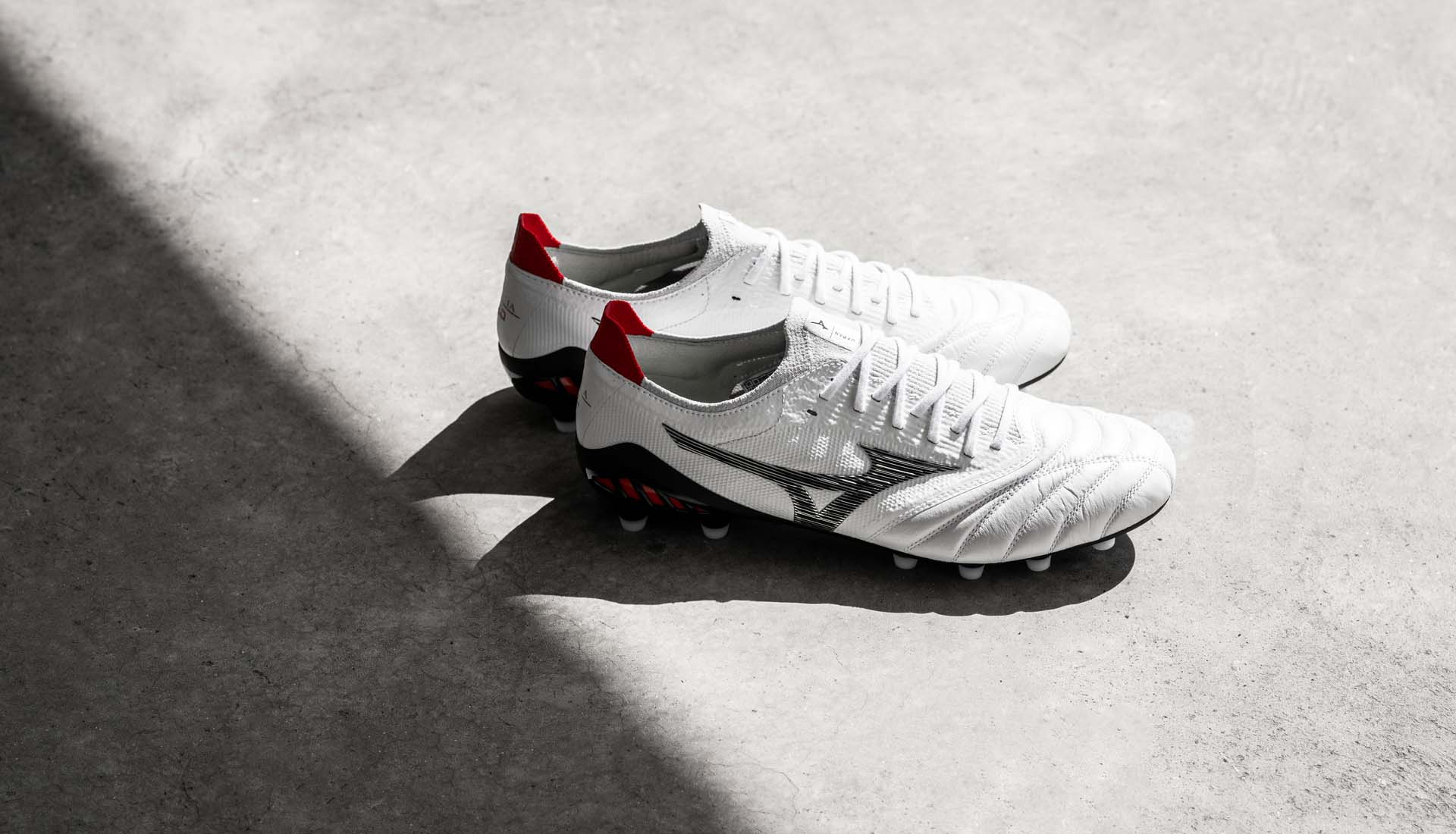 Giày đá bóng Mizuno được nhiều cầu thủ chuyên nghiệp tin dùng!